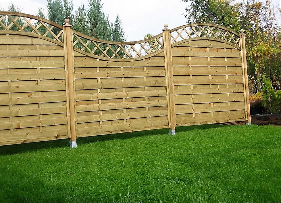 Чем украсить забор из рабицы своими руками фото 210