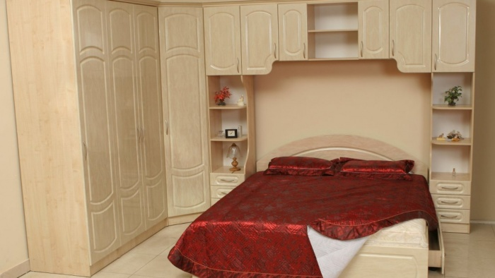 спальный гарнитур для маленькой спальни