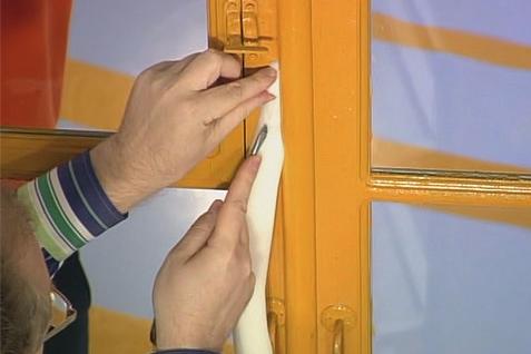 чем утеплить окна деревянные
