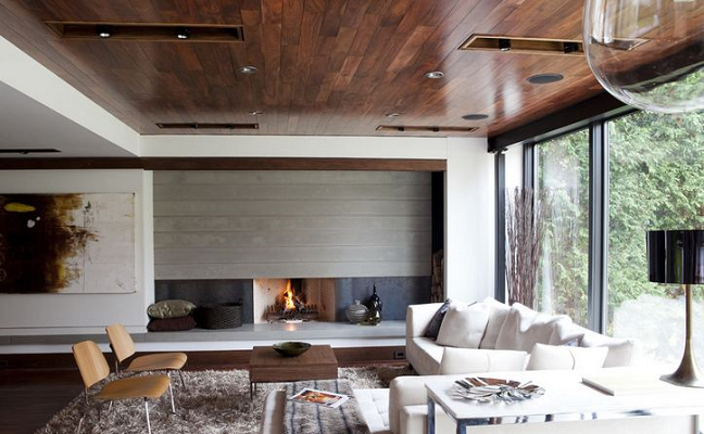 Потолок из деревянных досок