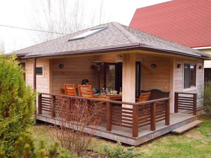 Кирпичные бани с беседкой под одной крышей