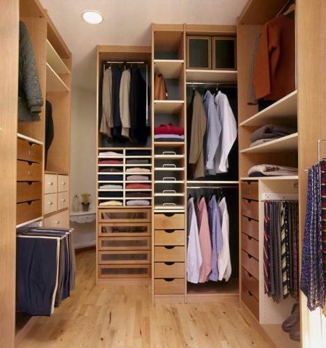 61a6e82288bf Интерьер маленькой гардеробной комнаты своими руками + фото