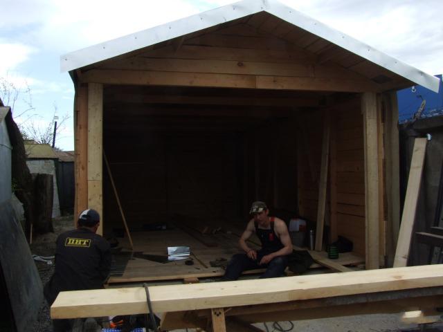 строительство гаража из шпал фото одной причиной, которой