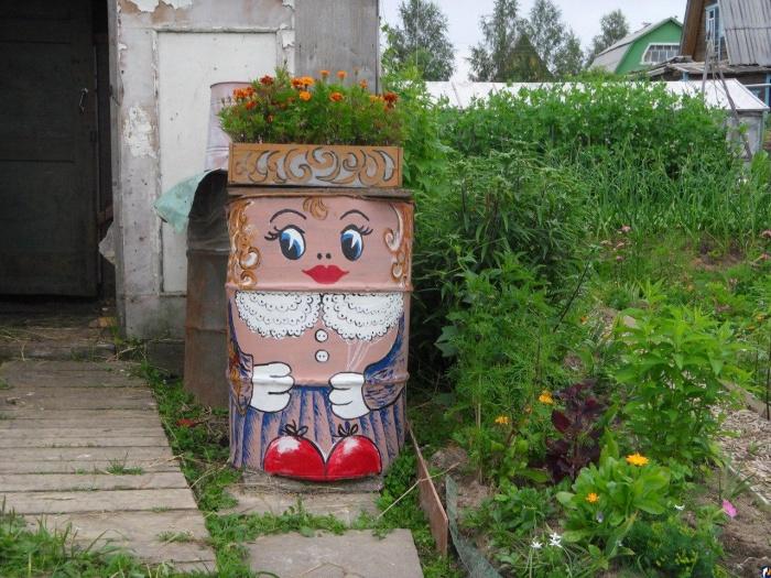 Как покрасить садовую бочку