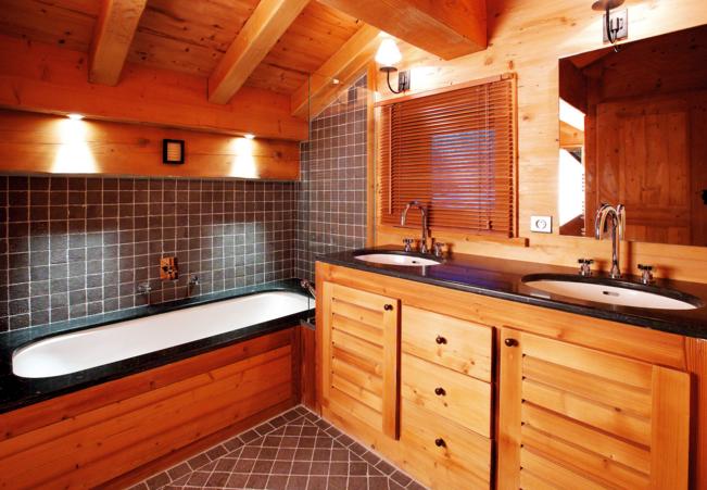 Ванная комната в деревянном доме правила обустройства и отделки