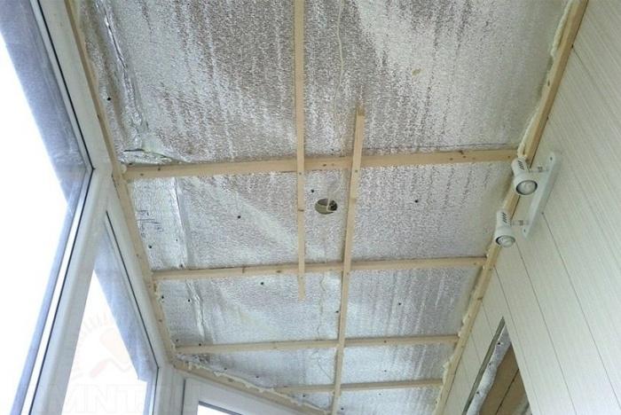 Как сделать потолок на балконе фото 545