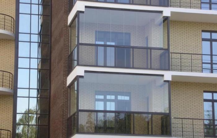 Кирпичный балкон полное остекление остекление балкона новосибирск слайдорс