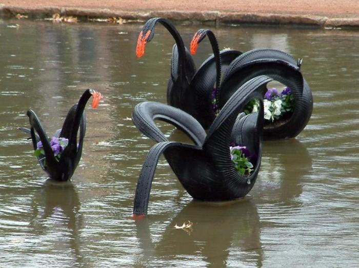 99_22 Лебедь из покрышки, делаем своими руками. Как изготовить лебедя из покрышки своими руками, делаем схему и вырезаем фигурку для украшения сада