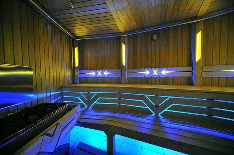 Купить термостойкая светодиодная лента для сауны и бани в Москве по низким ценам