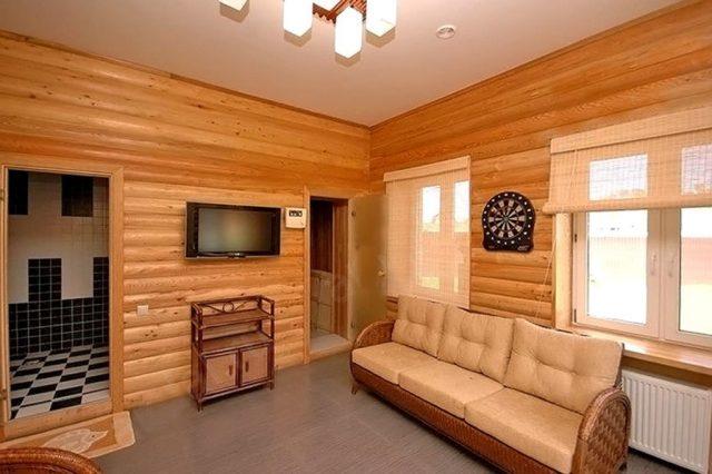 Блок-хаус: преимущества материала