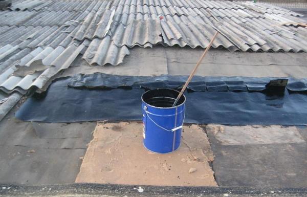 Как заделать трещину в шифере на крыше