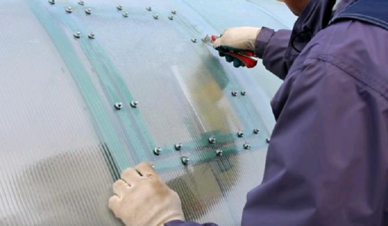 Как отремонтировать теплицу из поликарбоната своими руками