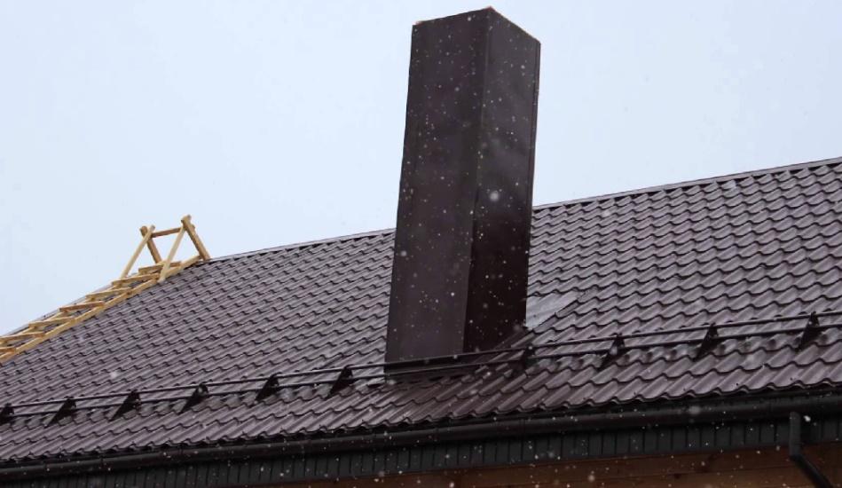 Как обойти кирпичную трубу на крыше
