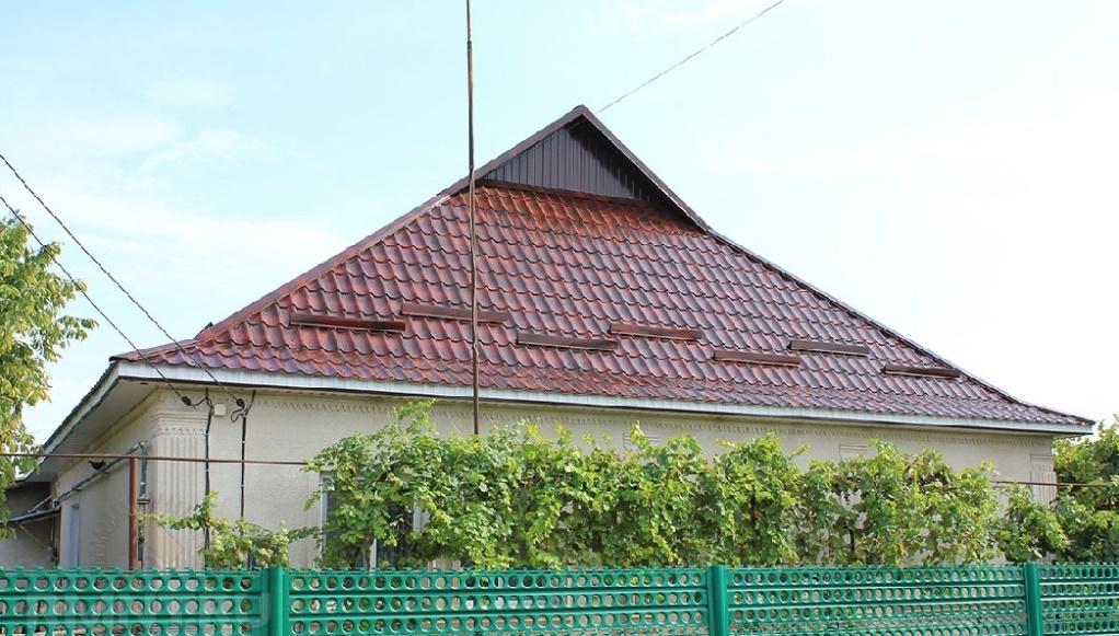 Скаты крыши из металлочерепицы