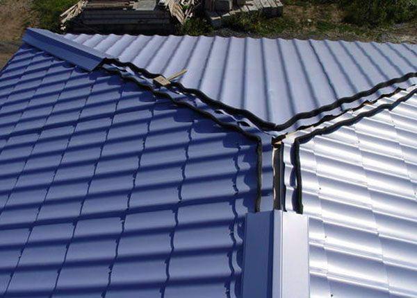 Вальмовая крыша из металлочерепицы: угол наклона, обрешетка, как монтируется