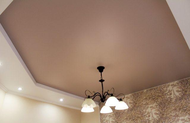 Коричневый натяжной потолок: цвета, оттенки и фото