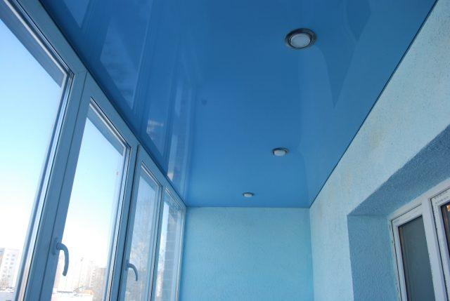 Натяжной потолок на лоджии: фото и отзывы