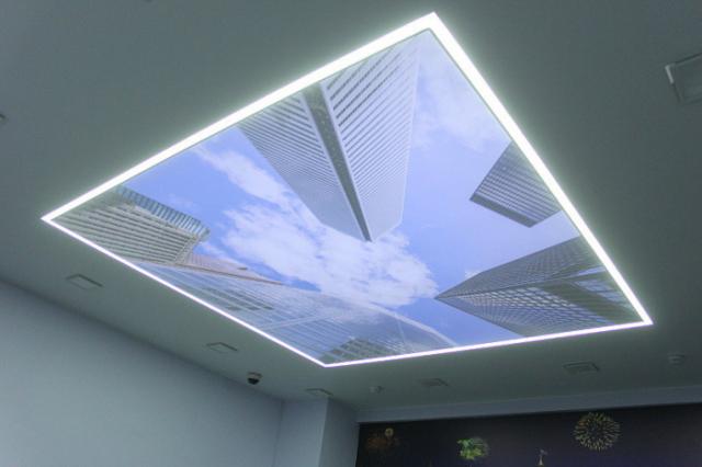 Световые линии в натяжном потолке: как сделать, виды и фото