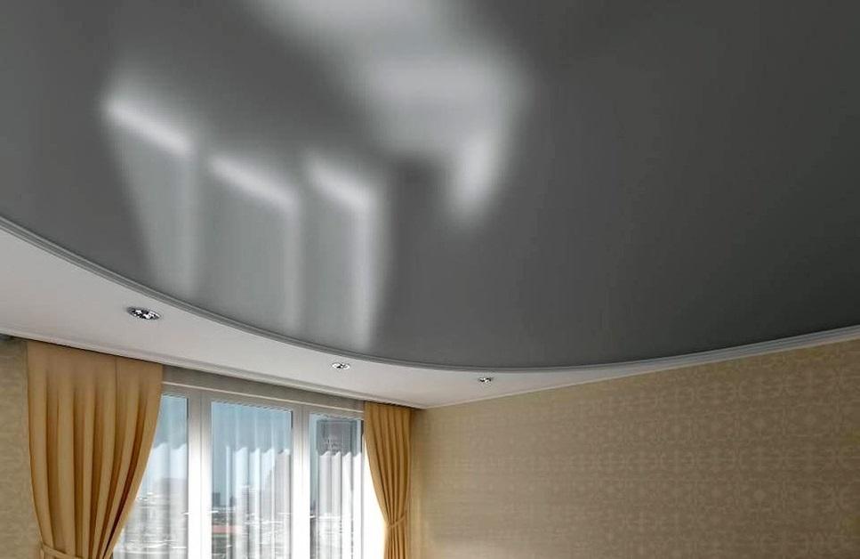 стальной глянцевый потолок фото