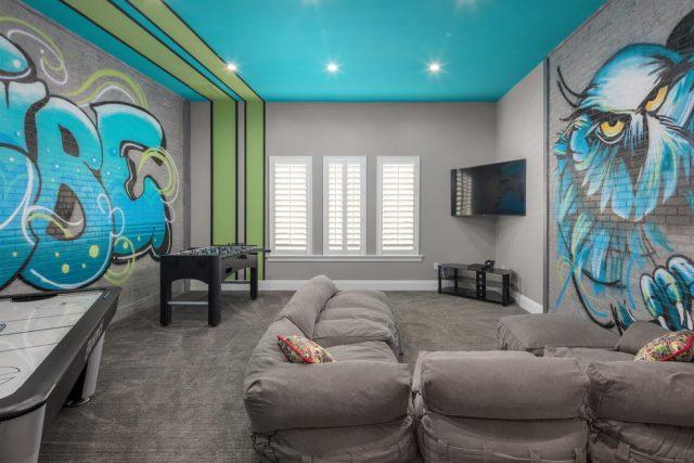 Натяжной потолок: голубой, светло-голубой и бирюзовый