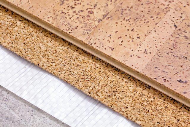 Звукоизоляция пола под линолеум: как выбрать для деревянного и бетонного основания