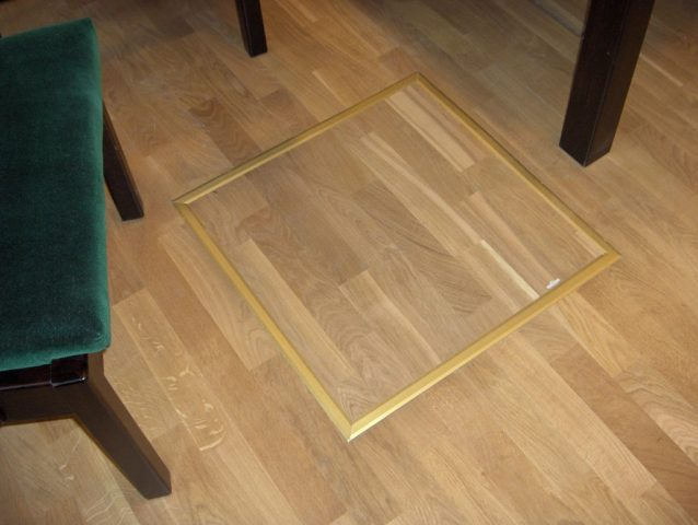 Люк в полу под ламинат: отделка и установка своими руками
