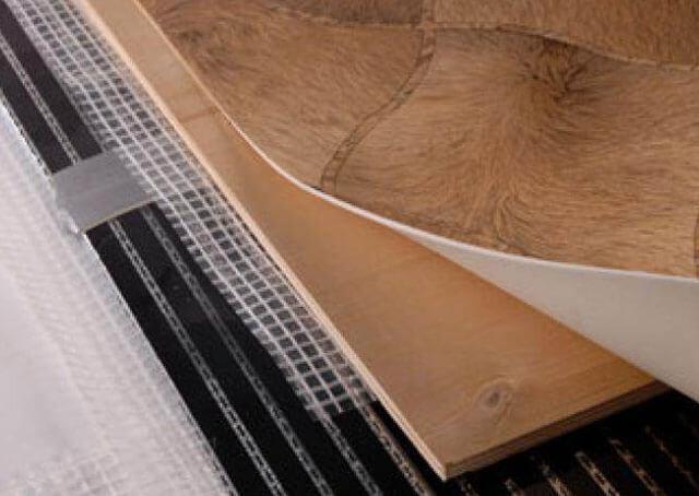 Как клеить линолеум на фанеру: технология укладки своими руками