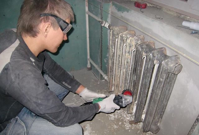 Чугунные радиаторы отопления: как покрасить, чем красить, какой краской
