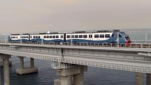 Железнодорожное сообщение на поезде «Таврия» в Крым — открыто