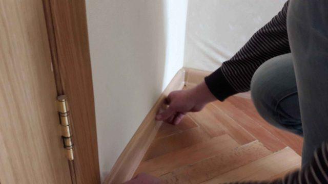 Что сначала делать: ламинат или межкомнатные двери