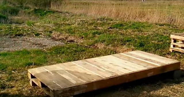 Как сделать домик для детей из поддонов своими руками