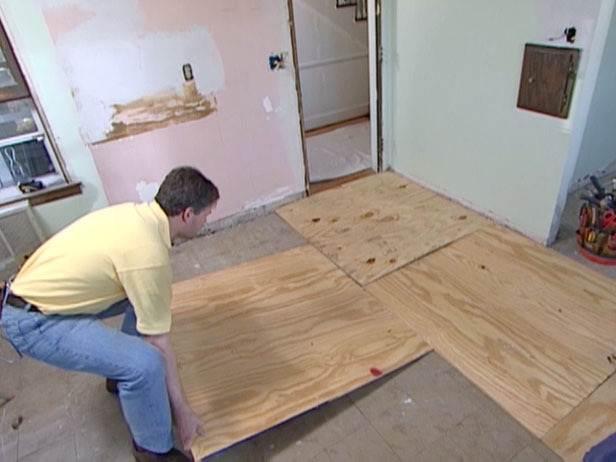 Чем и как правильно приклеить фанеру к бетонному полу