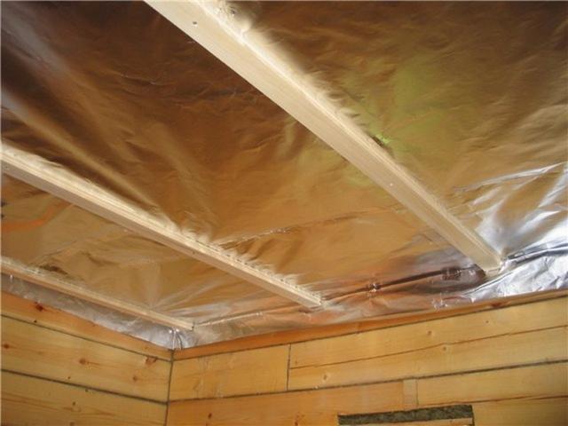 Как правильно утеплить потолок в бане керамзитом своими руками