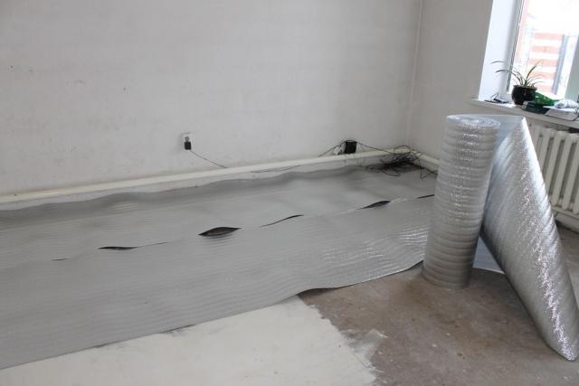 Утепление пола изолоном в частном доме: под линолеум, фанеру, стяжку