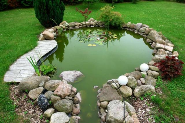 Как сделать декоративный пруд на участке своими руками
