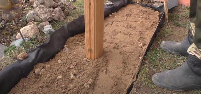 Как сделать садовую дорожку при помощи формы своими руками