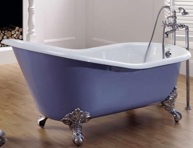 Чугунняа ванна на ніжках