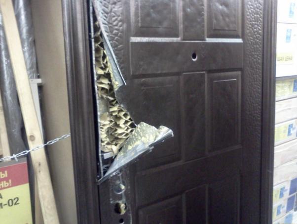 Ремонт металлических дверей своими руками