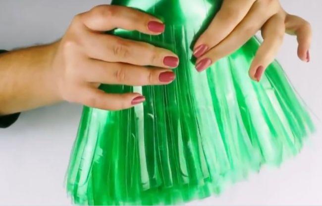 Как сделать метлу из пластиковых бутылок пошагово фото 720