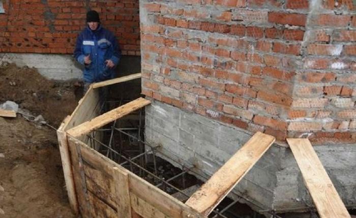 Как усилить фундамент под кирпичным домом своими руками 74