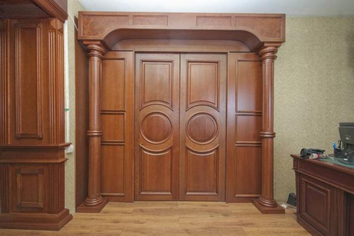 Какой материал межкомнатных дверей лучше