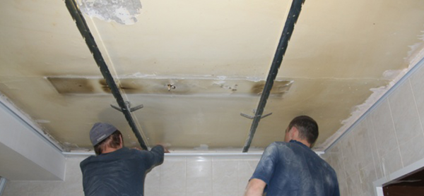 Как в ванне сделать потолок