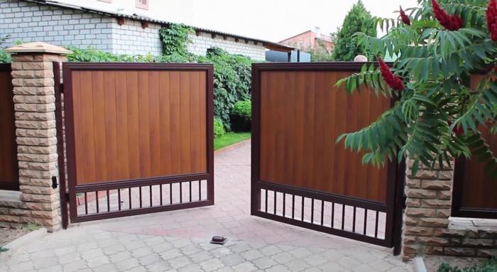 Необычные ворота своими руками