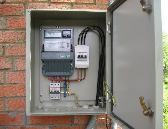 Установка электросчётчика в частном доме