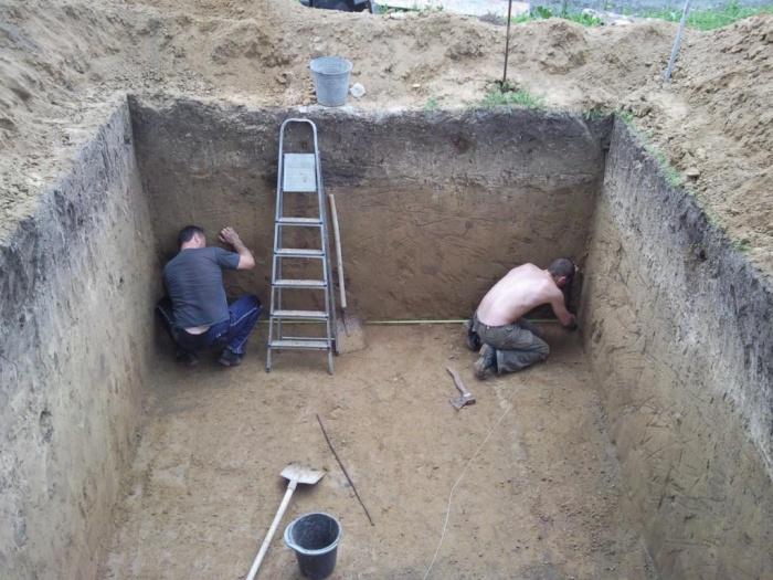 Погреб под домом своими руками