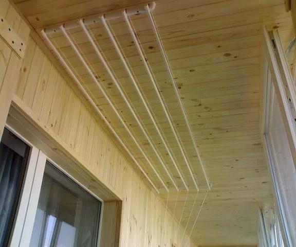 Сушилка для белья потолочная на балкон своими руками фото