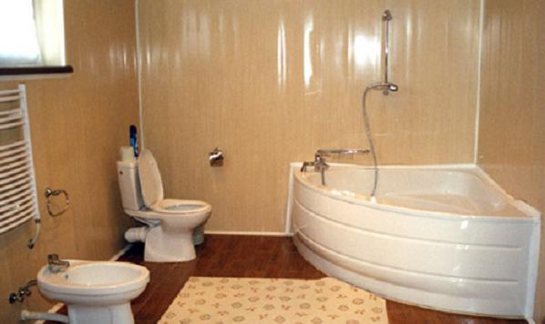 панели с фризом для ванной комнаты