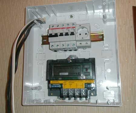 Как сделать электрический щиток в гараж 131