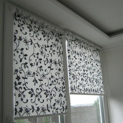 жалюзи на пластиковые окна балкона