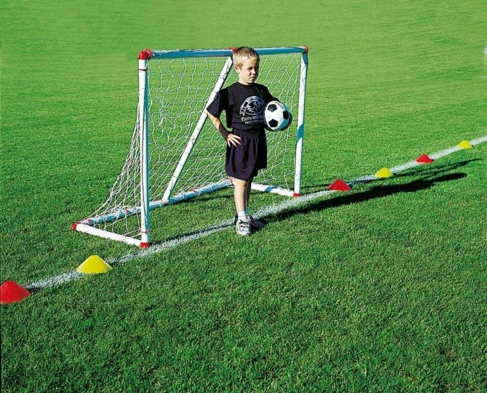 Из чего сделать футбольные ворота своими руками